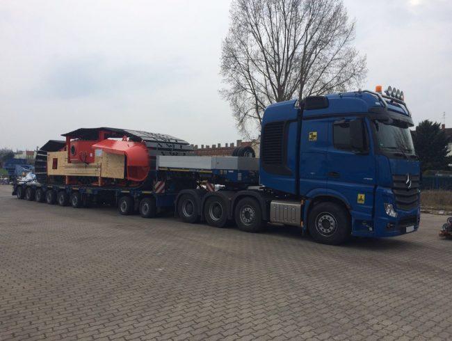 Juli 2016 – Verladung von Raupenträgern nach Chile ( jeweils 83 to. / 1.155*335*295 cm ) ab Werk unseres deutschen Kunden.